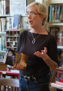 Photo of Elizabeth Hand speaking at a bookstore.